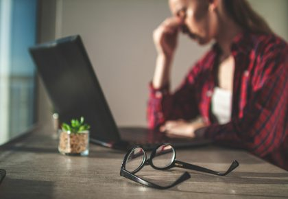 Augenkapseln: Belastung im Alltag